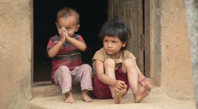 """Nepal, non solo turismo. Il dovere di cooperare: parte il progetto """"Gaurishankar – Le acque degli dei""""."""